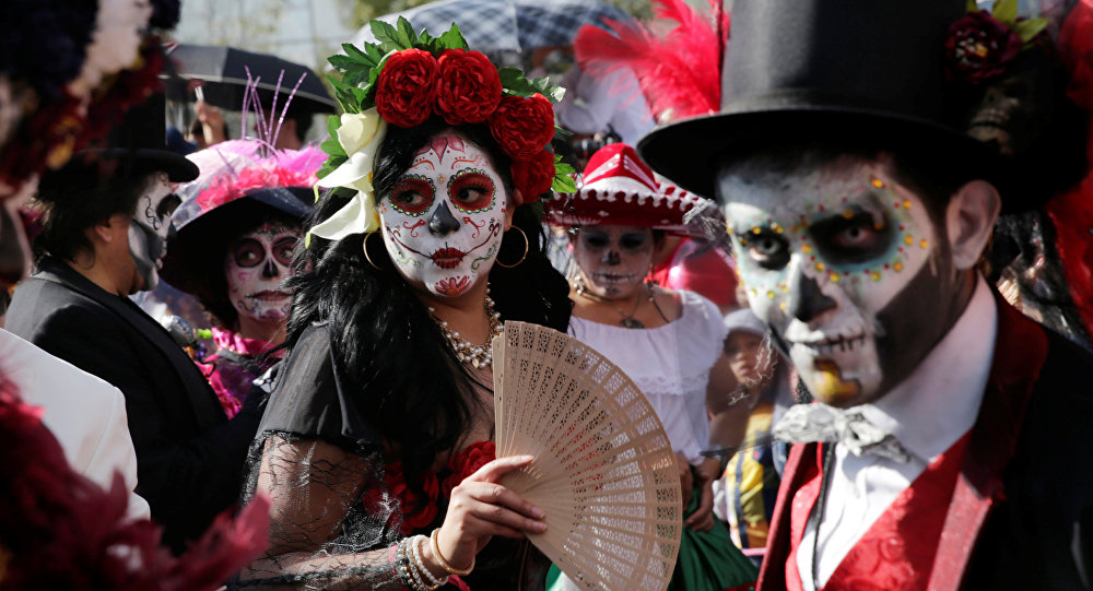 a report on la dia de los muertos the day of the dead a mexican holiday Dia de los muertos the day of the dead jackie norsworthy dr richardson death and dying los dia de los muertos, or the day of the dead, is a mexican holiday spanning two days and three nights.
