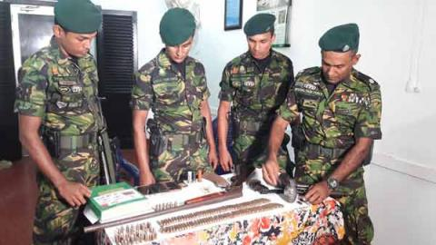 Man arrested with weapons and ammo in Karandeniya